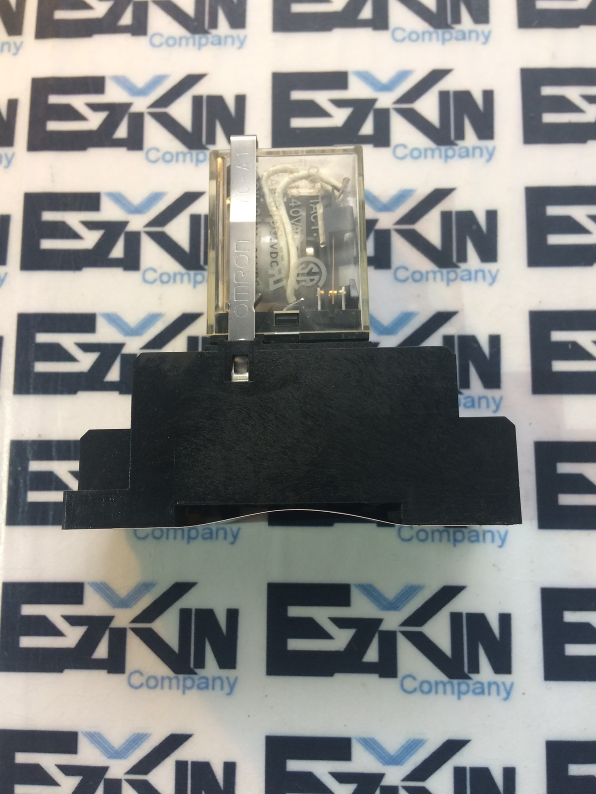 OMRON MY4N 24DC RELAY AND SOCKET Lot of 9